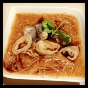 Mee Sua with Oysters and Intestines (蚵仔麵線)