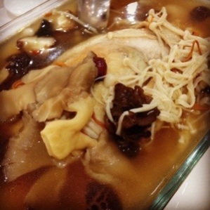 Nutritious Stew-Pot Chicken with Herbs & Mushrooms
