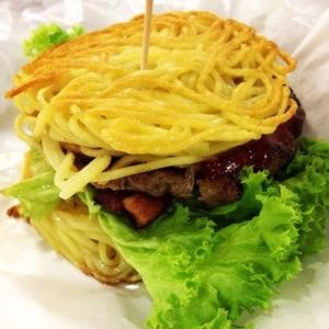 BBQ Bacon Bleu Ramen Burger