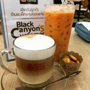 Cafe Latte and Thai Iced Tea with Milk