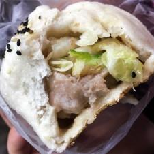 雙味包 Pork and Cabbage Fried Bun