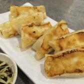 Pan Fried Cabbage Dumpling 香煎白菜鲜肉锅贴