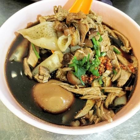 Duck Kway Chup 鴨肉粿汁