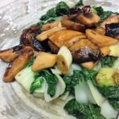 松露油双菇炒时蔬 Sautéed Seasonal Vegetables with Duo Mushrooms and Truffle Oil